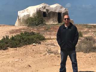 Randall in front of Ben Kenobi's house