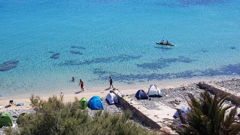 Camping on Jalta Island